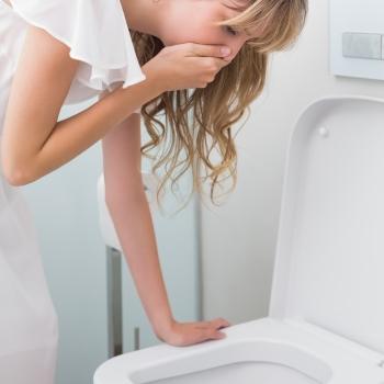 Отруєння: види, симптоми, що робити в домашніх умовах